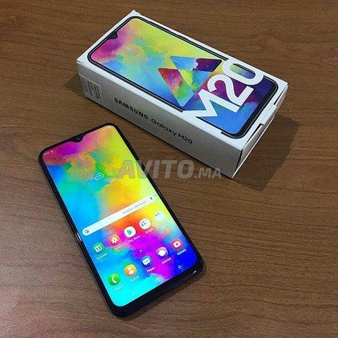 Samsung Galaxy M20  - 1