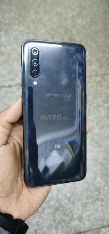 Xiaomi Mi 9(6g-128g  état 99/.100 neuf) - 1
