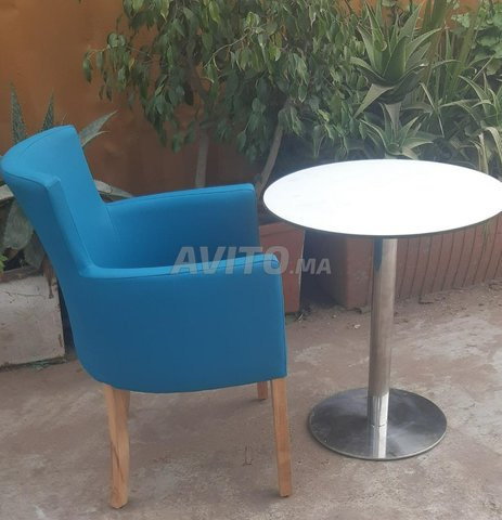 Chaise et table café - 3