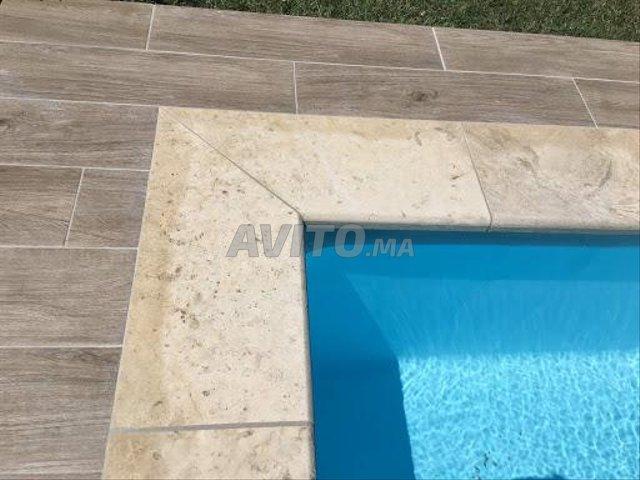 Revêtement piscine pierre de bali et marbre - 3
