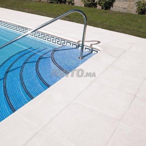 Revêtement piscine pierre de bali et marbre - 5