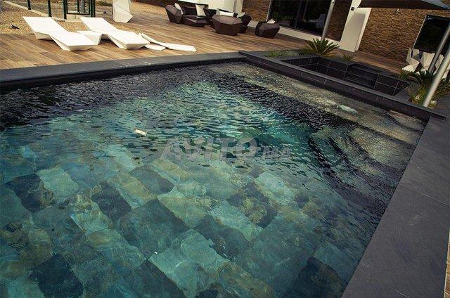 Revêtement piscine pierre de bali et marbre - 6