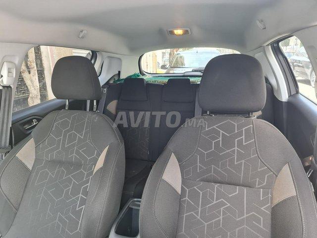 Peugeot 2008 1.6 HDi - 5