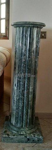 Vend table en marbre vert et sa colonne  - 2
