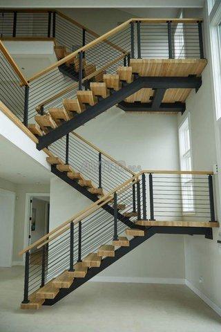 Abris métal - bois - escaliers - 1