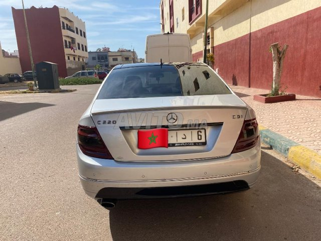 Mercedes-benz c220 - 8