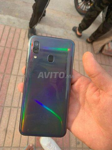Samsung A40 - 3