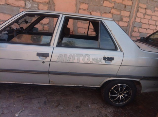 Renault R9  - 6