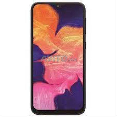 smartphone Samsung A10s presque neuf - 1