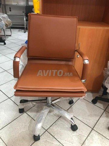 Chaises d'importation  - 2