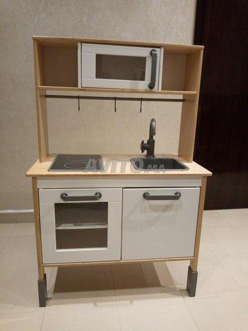 Mini-cuisine pour enfant en bois. - 1