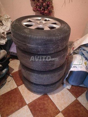 pneus 235/65/R17 - 5