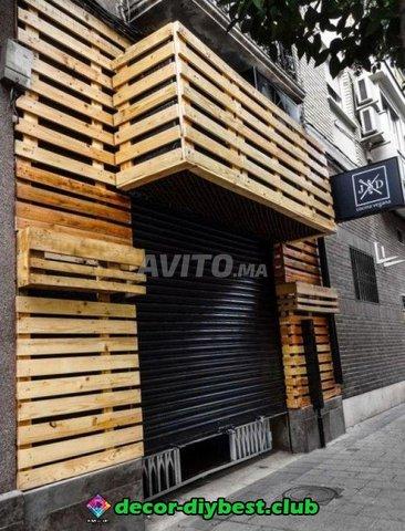 Publicité lumineuse et habillage façade en bois - 2
