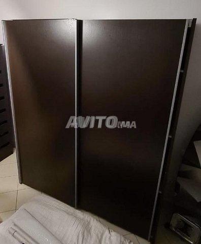 Armoire à portes coulissantes - 2
