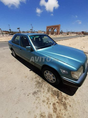 Mercedes E250 en bonne état - 7