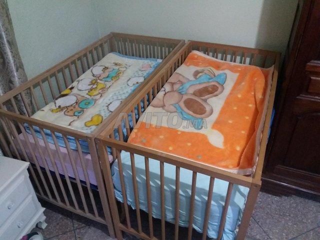 Lits bébé /jumeaux et table à langer  - 1
