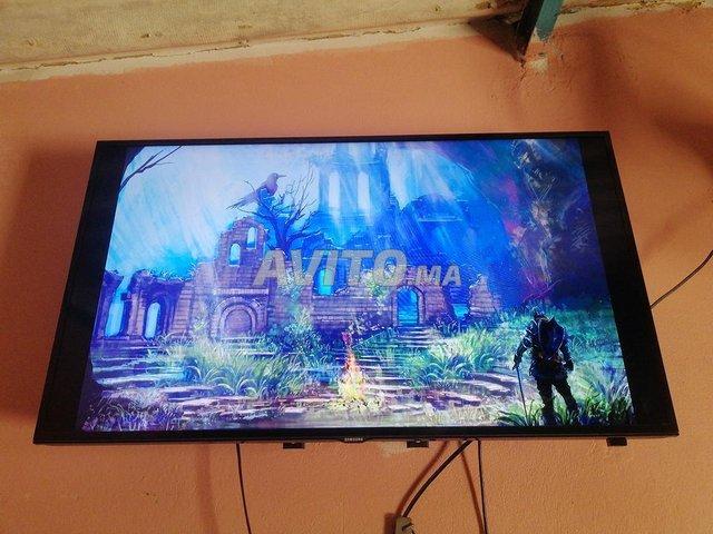 SAMSUNG TV SLIM FULL HD LED 40 POUCES USB 1 HDMIx2 - 8