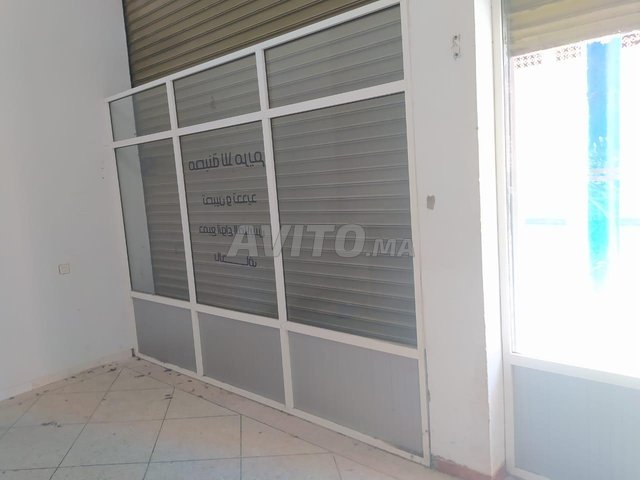 Comptoir et vitrines en aluminium  - 4