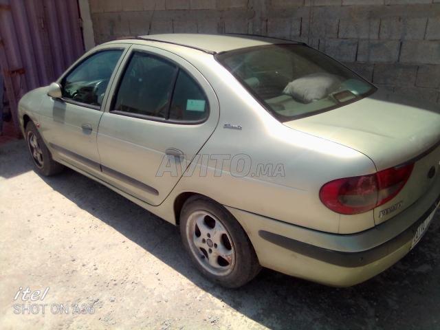 Renault - 8