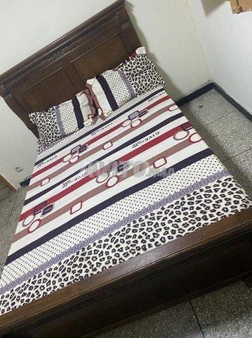 Lit et cadre de lits  - 2