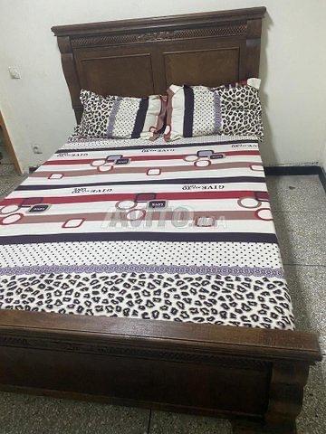 Lit et cadre de lits  - 1