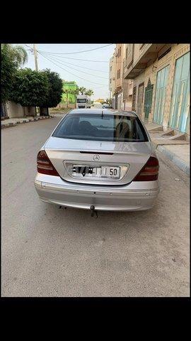Mercedes 220 - 3