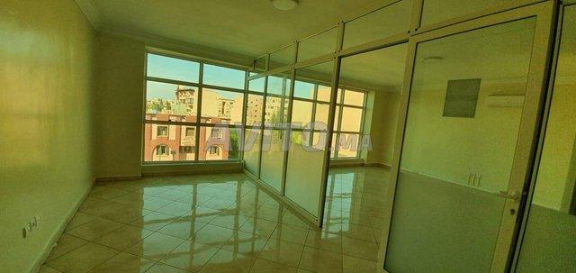 Plateau bureau 46m2 sur AV Hassan 2 près du Plaza - 2