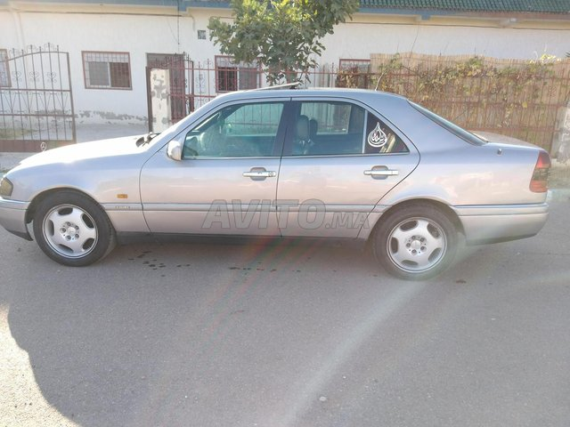 Mercedes benz 250 - 2