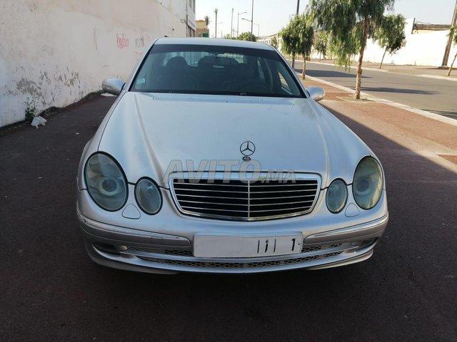 Mercedes-Benz 220 - 4