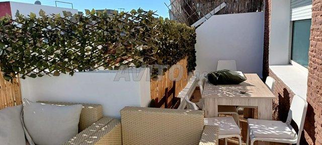 bel appartement  à louer 2 terrasse  agdal - 8