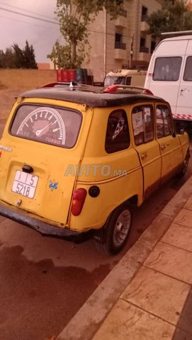 r4 Renault - 1