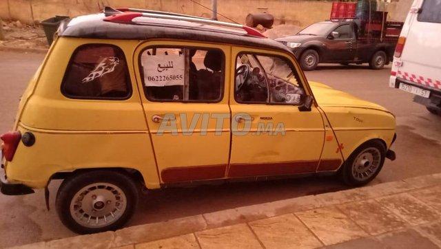 r4 Renault - 2