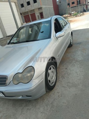 Mercedes-Benz 220 - 3