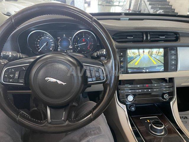 Jaguar XF toit panoramique  - 8