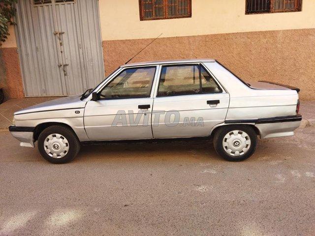 Renault    R9 - 1