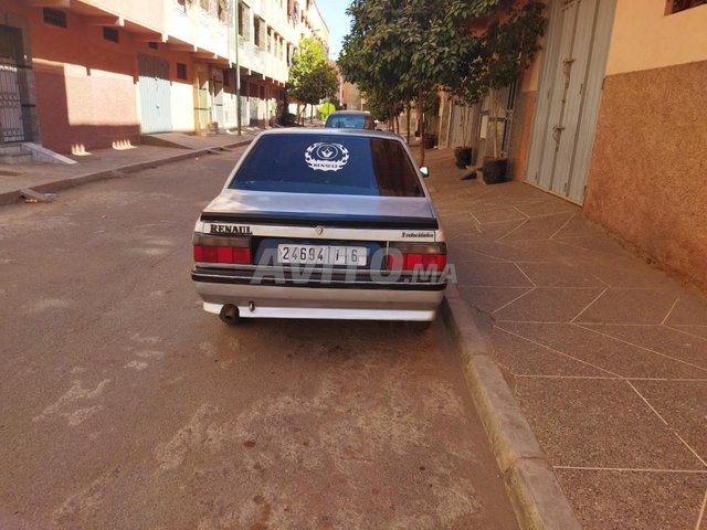 Renault    R9 - 5