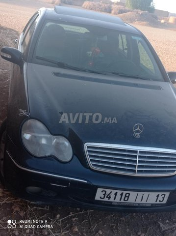 Mercedes-Benz 220 - 6