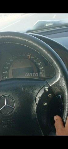 Mercedes-Benz 220 - 7