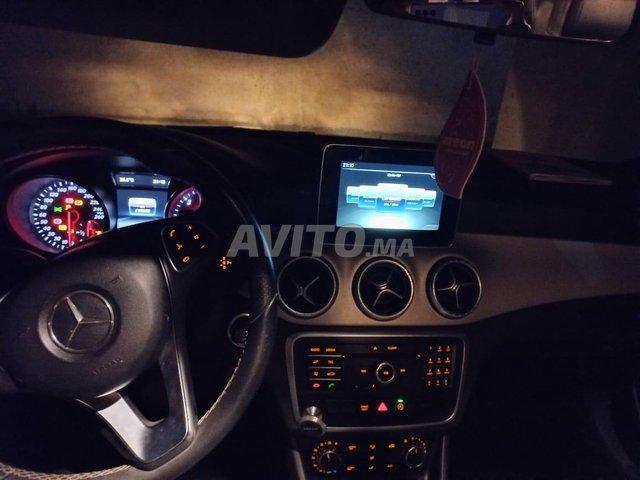 Mercedes CLA 180 full option - 3