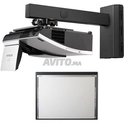 Projecteur Hitachi ultra courte focale  - 4