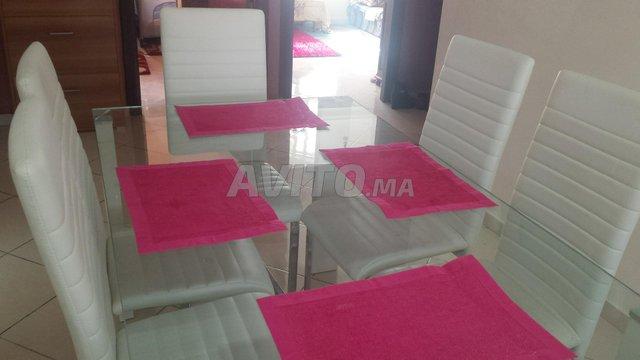 Table de salle à manger avec 6 chaises - 2
