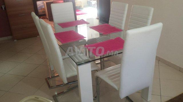 Table de salle à manger avec 6 chaises - 3
