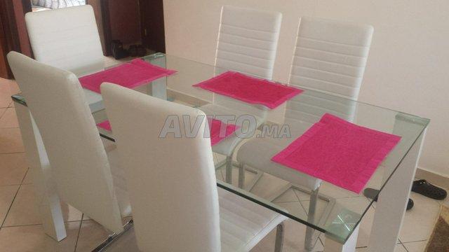Table de salle à manger avec 6 chaises - 4