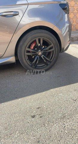 Jantes 17 pouces avec pneu noir  - 1