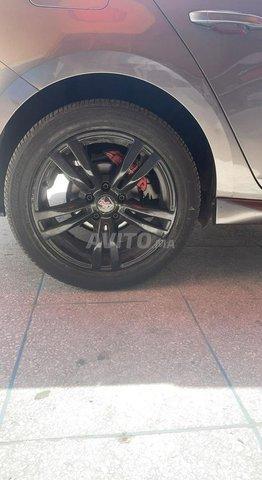 Jantes 17 pouces avec pneu noir  - 3