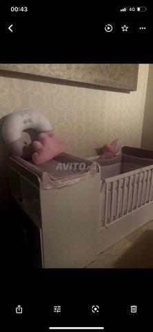 Lit bebe et commode - 1