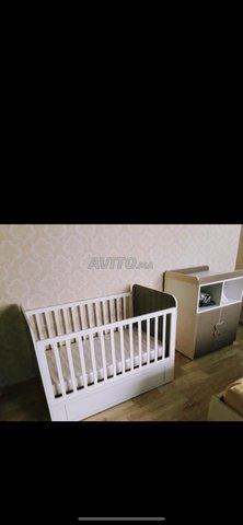 Lit bebe et commode - 3