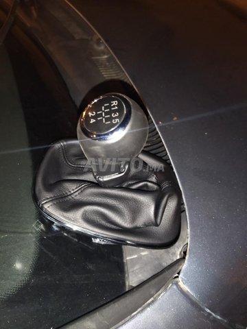 main levée Opel corsa  - 6