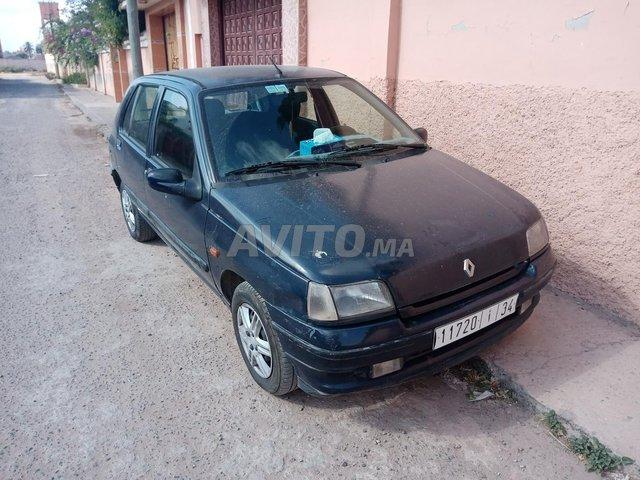 Clio 1 essence  - 1
