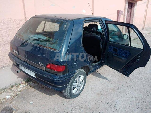 Clio 1 essence  - 8
